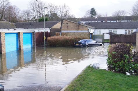 Flooding in Prescelly Close © Logomachy :: Geograph