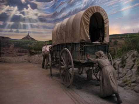 Covered Wagon at The Great Platte River Road Archway
